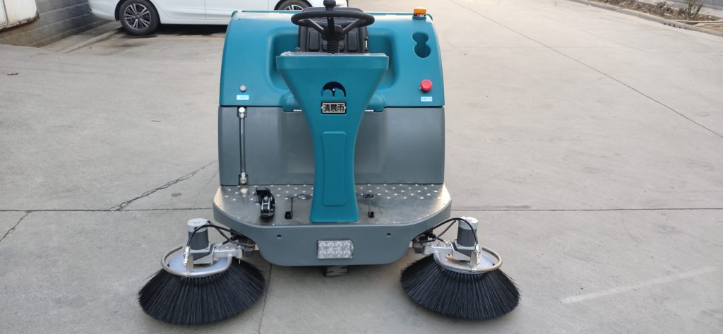 郑州现在扫地车和驾驶扫地车市场行情怎么样?