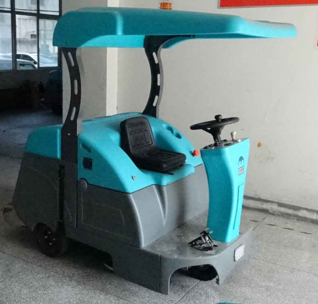 QT-1000A驾驶式拖地车(带蓬)