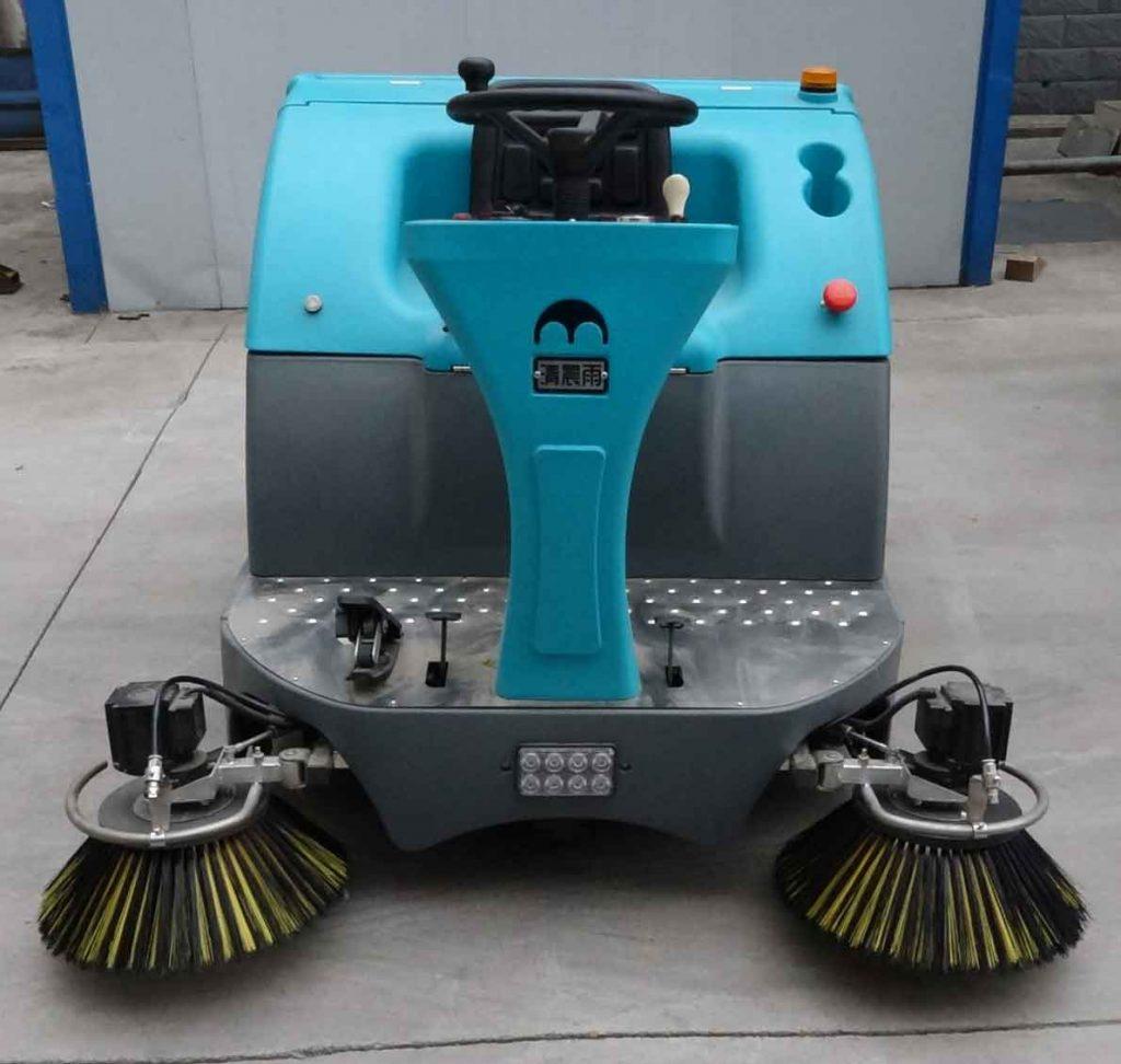 QT-1000A驾驶式拖地车