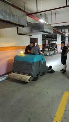 巴彦淖尔驾驶式洗地机供应