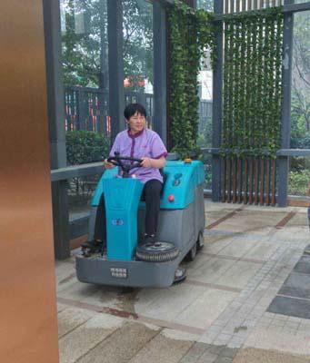 北京电动扫地车厂商出售