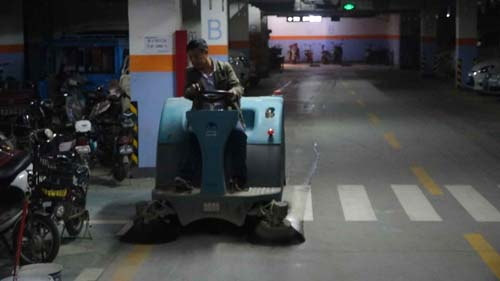 鞍山工业扫地车的用途