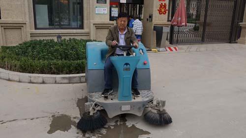 鞍山扫地车生产厂家