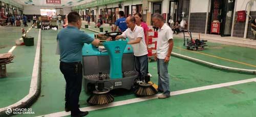 亳州洗地车的用途