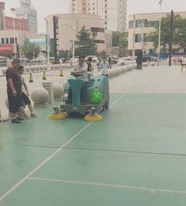 承德洗地车供应