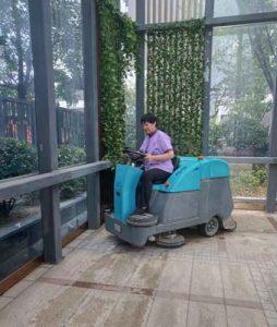 固原电动扫地车生产厂家