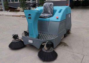 东莞驾驶式洗地机生产厂家