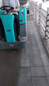 广安驾驶式洗地机价位