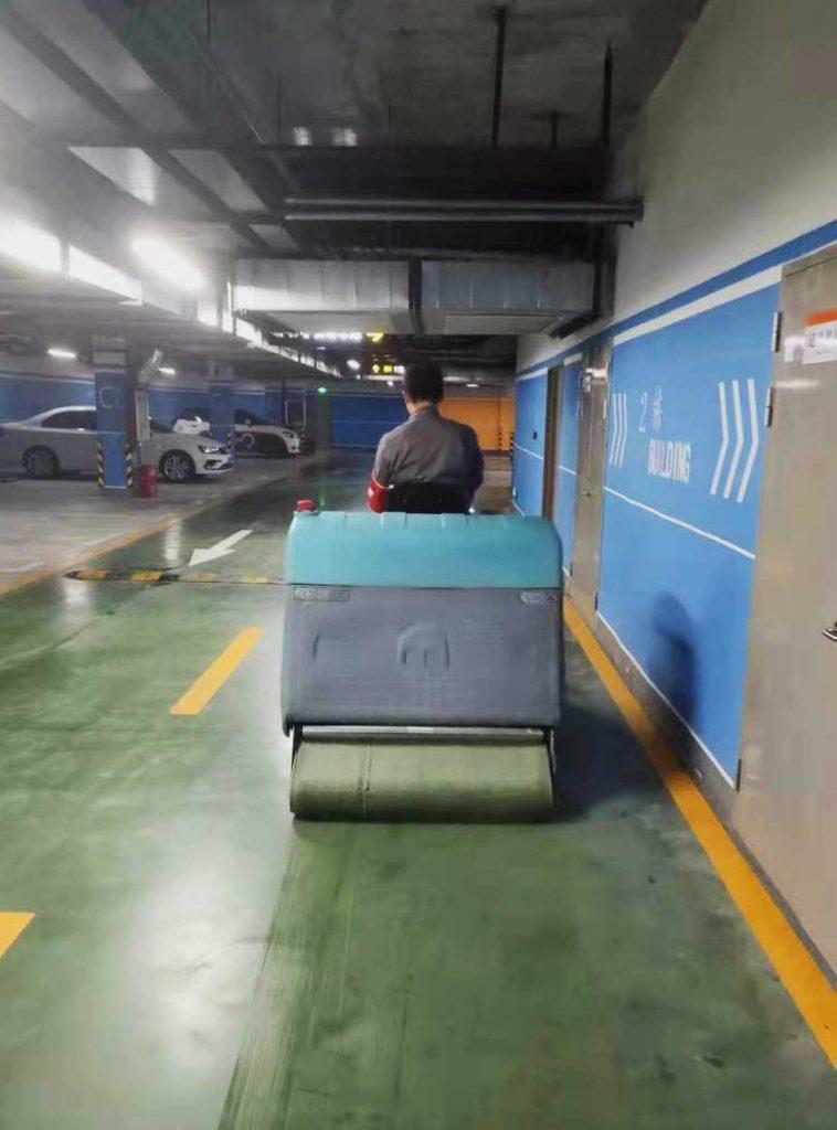 挑选洗地车的四个重要因素