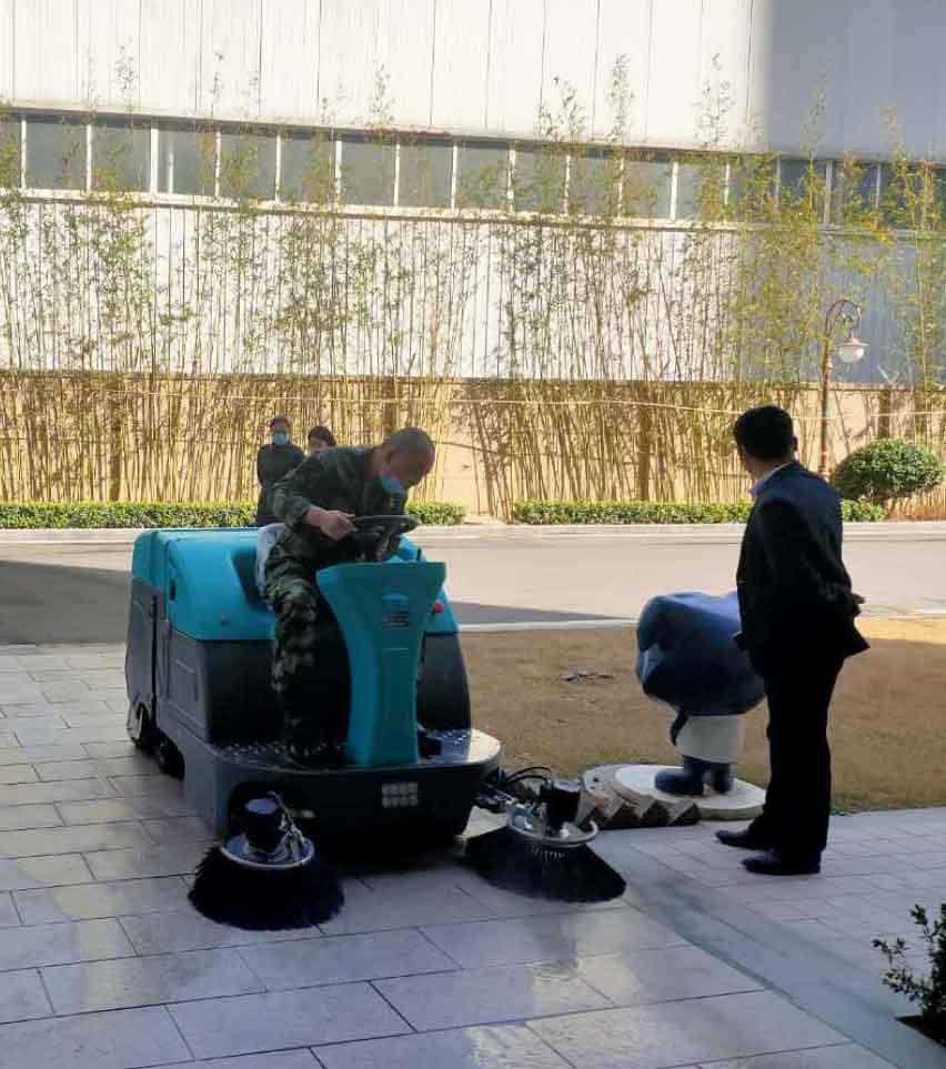 清晨雨拖地车:清洁设备正在掀起清洁服务行业的大革命