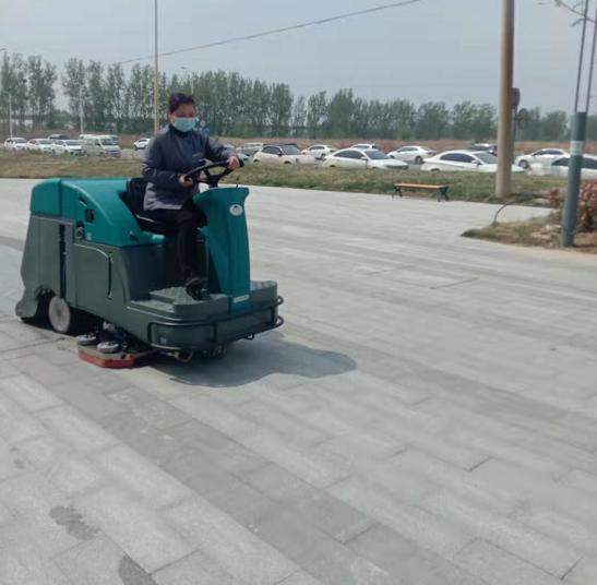 扫地车的清洁效率怎么样?工厂小区该如何选择电动扫地车?