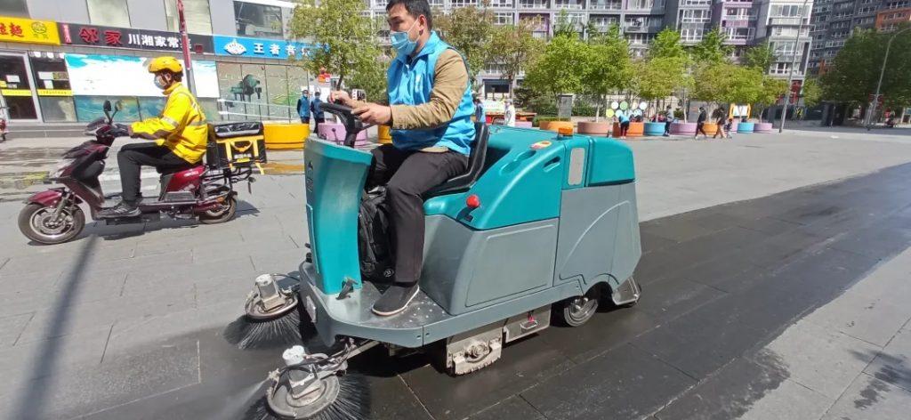 什么扫地车值得买?多功能扫地车哪家强?2020驾驶式扫地车选购全攻略