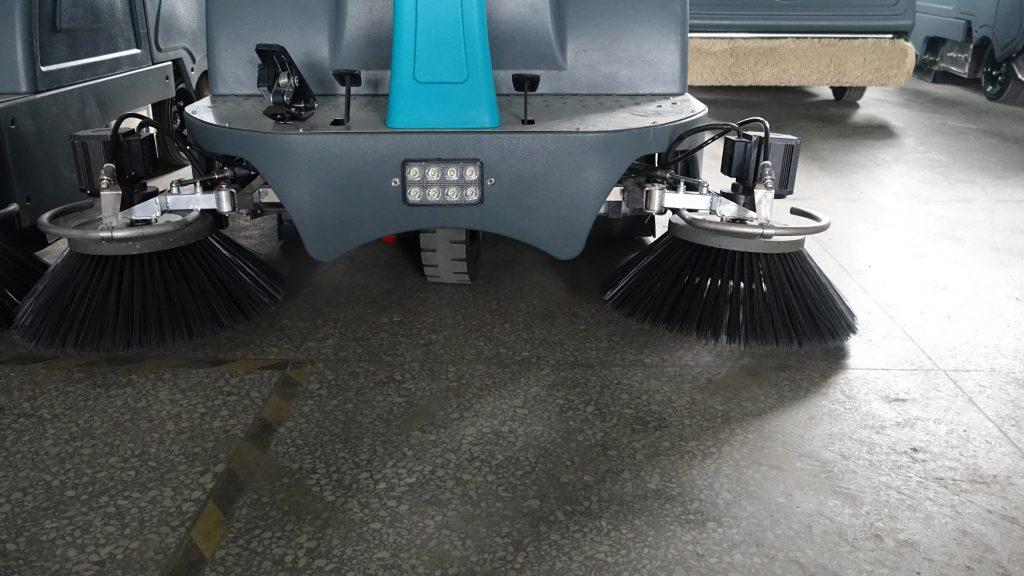扫地车厂家内部人员告诉您,好的扫地车该怎么选!