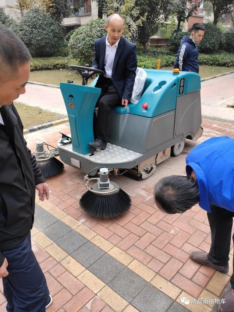 清晨雨:解锁国内十年清洁发展史,带您读懂扫地车等清洁设备变迁