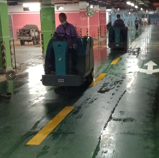 清晨雨:电动扫地车好用吗,电动扫地机的优势有哪些?