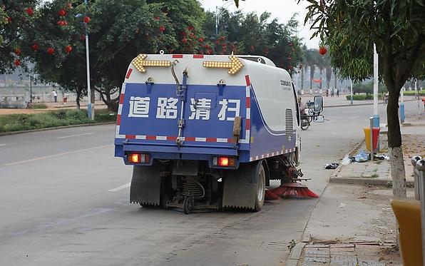 浅析国内电动扫地车,道路清扫车发展和研究方向