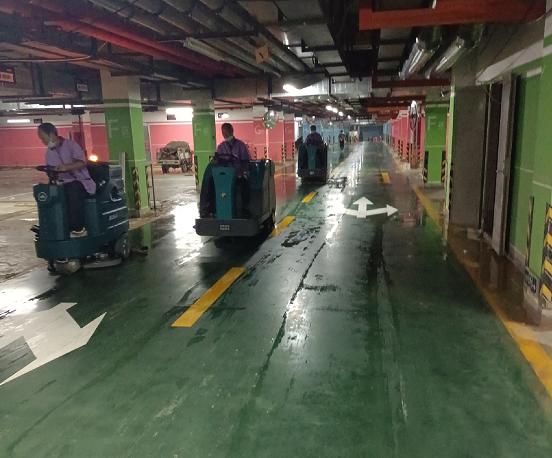 清晨雨:租赁电动扫地车和购买驾驶式扫地机那个更合适?