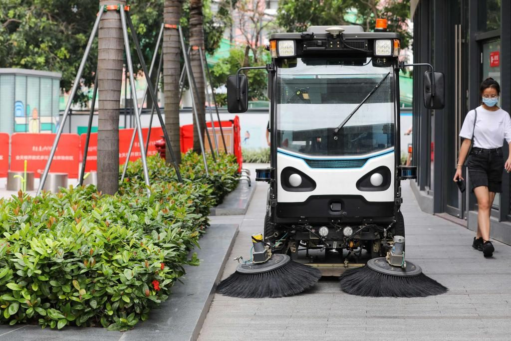 清晨雨:什么是商业无人驾驶扫地机器人?都有什么优缺点?