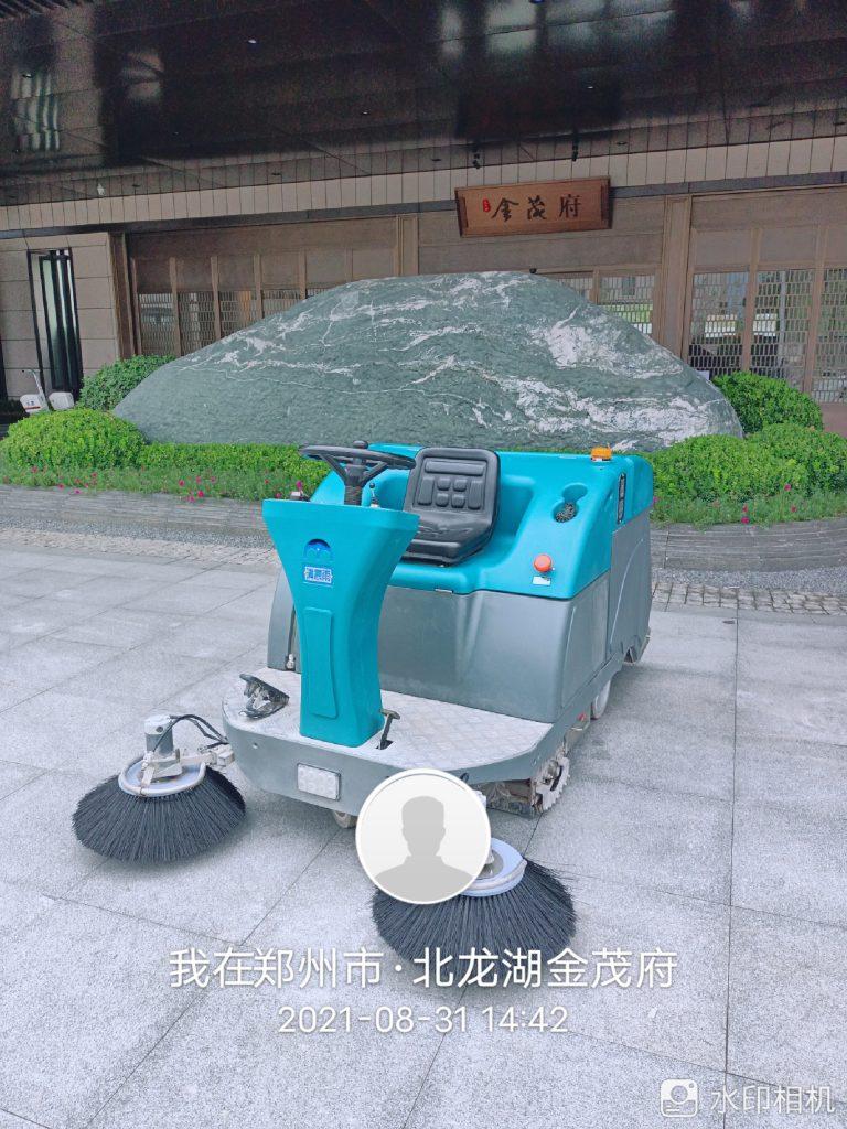清晨雨拖地车:花钱买的电动扫地车平时有哪些注意事项