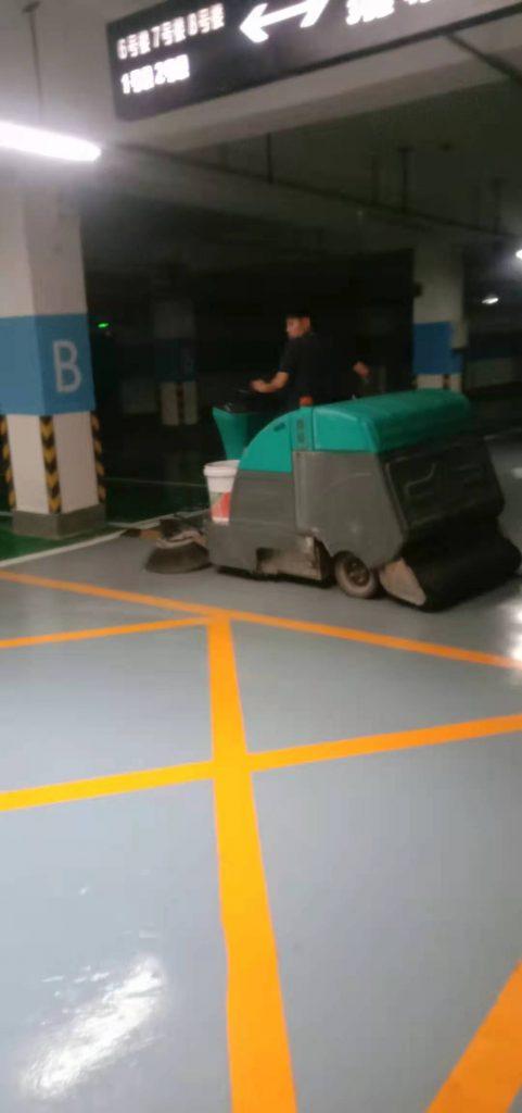 物业小区该如何判断电动扫地车的好坏,清晨雨如下4个标准!